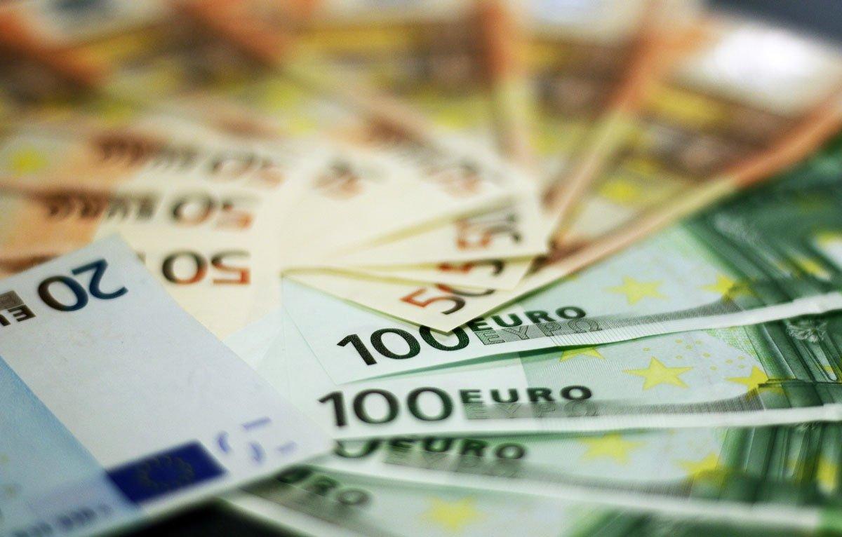 money euro botaxis - Λογιστικό γραφείο | Φοροτεχνικά - Λογιστικά γραφεία Οικονομάκος
